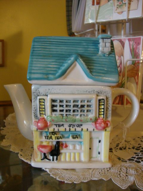 Tea Shop Teapot at Tanzeys